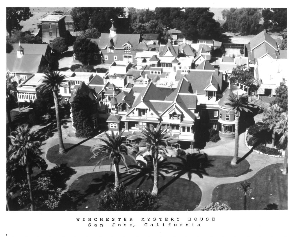 Winchester Mystery House souvenir postcard  (source: Anne Garner Papers, History San Jose)